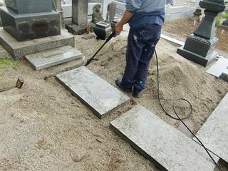 墓石の定期クリーニング
