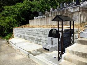 画像:光岳寺(市川三郷町)-分譲墓地風景・2